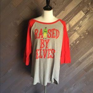 Raised by Elves T-shirt 💚❤️💚